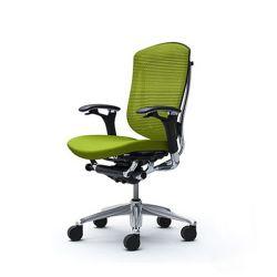Кресло для дома и офиса Okamura Contessa с колесиками для мягких покрытий